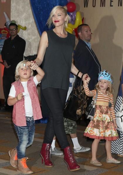 Gwen+Stefani+Gwen+Stefani+Takes+Boys+Disney+8F2EX8pBvDTl